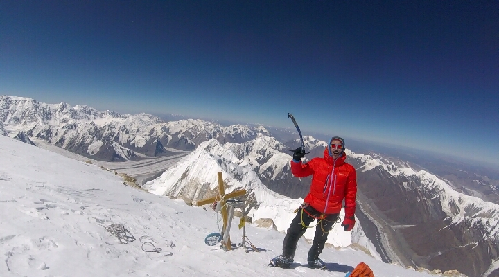 7010 m zirve