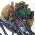 Balasto electrónico sacado de una bombilla de bajo consumo