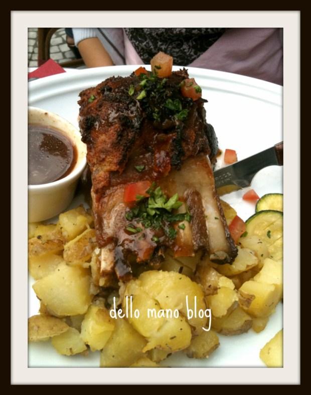 Paris dining at the Ru Montorgueil
