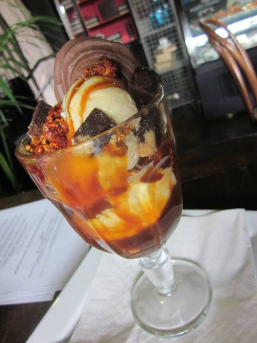 Dello Mano Brownie Sundae