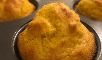 Mouth-Healthy Recipe: Low-Sugar Corn Muffins