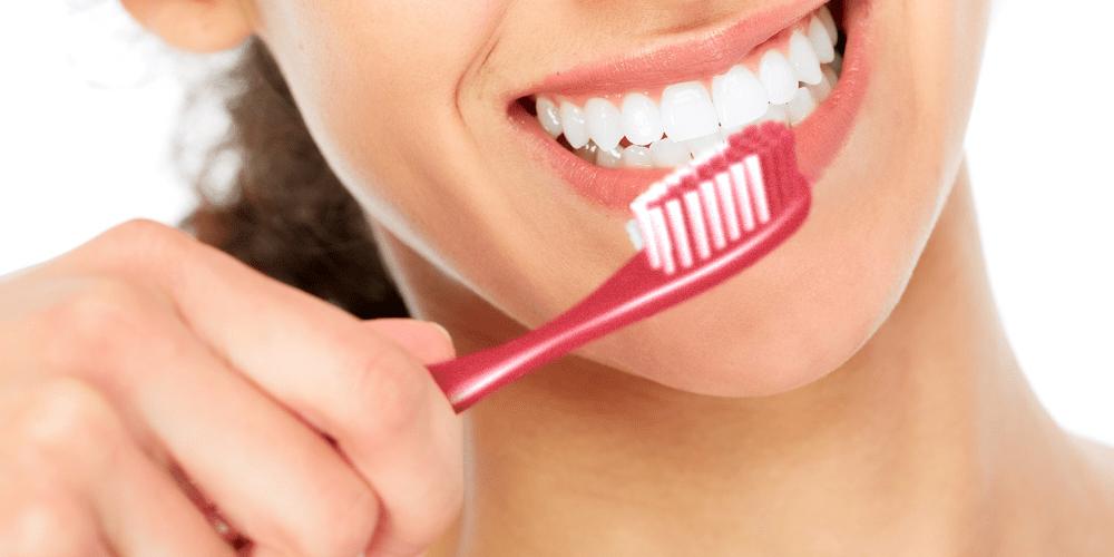 5 escovas de dente com ótimo custo-benefício