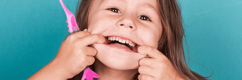 Escova de dente infantil
