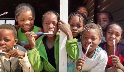 Conheça o projeto que está mudando a vida de crianças na Angola