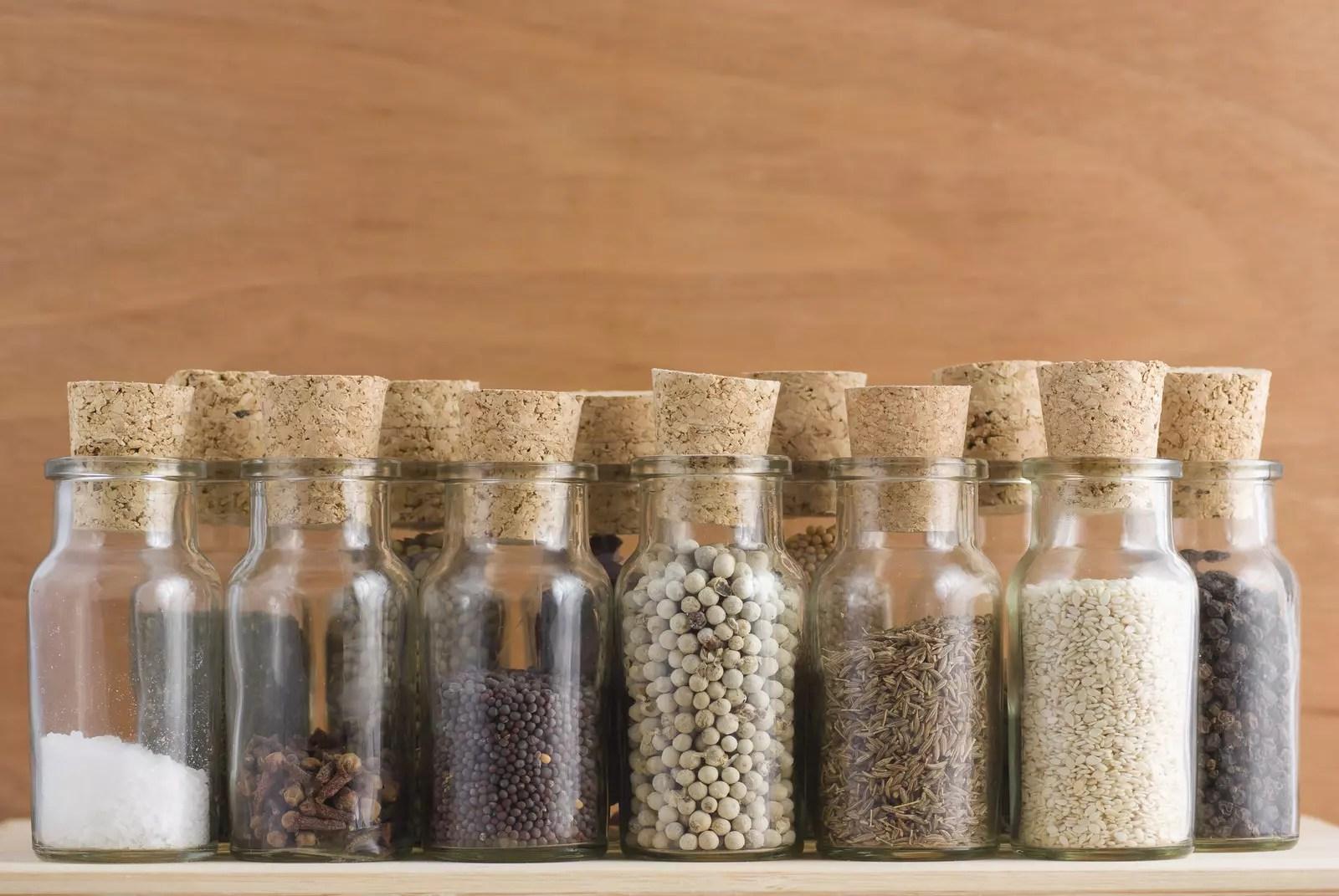 Etiqueta tus tarros de cocina con pintura de pizarra  Blog de DIA