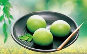 Qingtuan or Green Cake