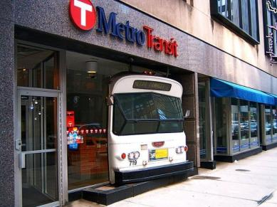 metro_transit-minneapolis-2005-06-04.jpg