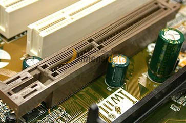 Slot AGP - Komponen Dalam Motherboard Komputer