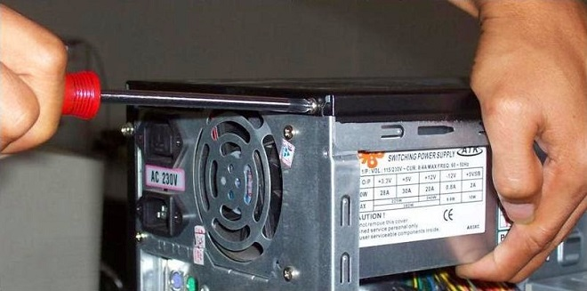 memasang power supply