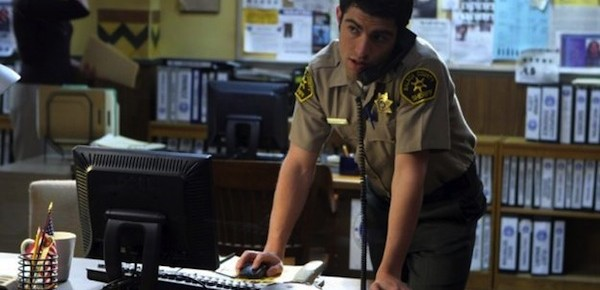 https://i0.wp.com/blog.dinoray.com/wp-content/uploads/2014/03/Max-Greenfield-in-Veronica-Mars-600x290.jpg