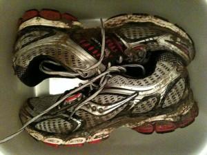 Chaussures Saucony pleines de boue