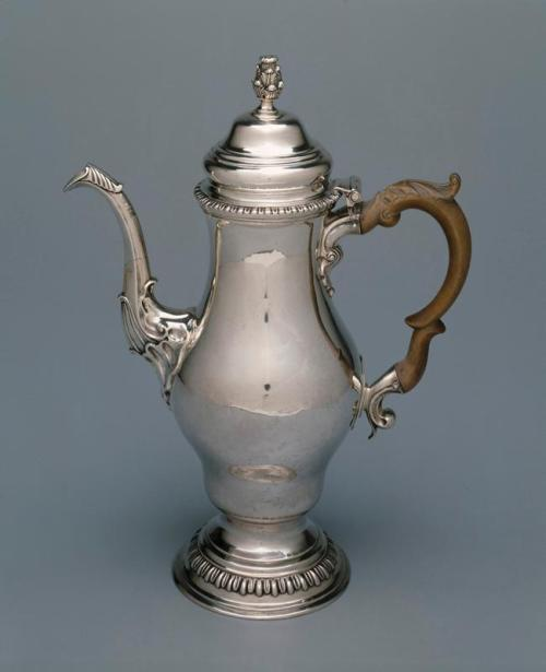 Coffeepot, c. 1780-1785, Joseph Anthony Jr., maker, Dallas Museum of Art, gift of the Alvin and Lucy Owsley Foundation, The Eugene and Margaret McDermott Art Fund, Inc., and Mr. and Mrs. H. Ross Perot