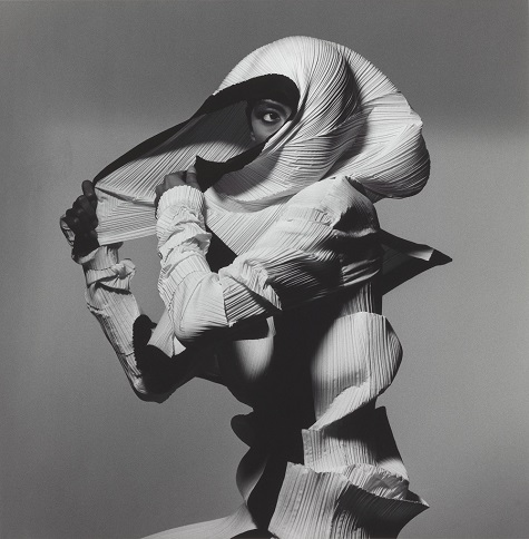 Irving Penn, Issey Miyake Fashion: White and Black, New York, 1990, printed 1992, gelatin silver print, Smithsonian American Art Museum, Gift of The Irving Penn Foundation. Copyright © The Irving Penn Foundation