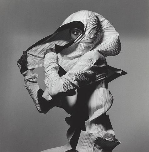 Irving Penn, Issey Miyake Fashion: White and Black, New York, 1990, printed 1992, gelatin silver print, Smithsonian American Art Museum, Gift of The Irving Penn Foundation. Copyright © The Irving Penn Foundation