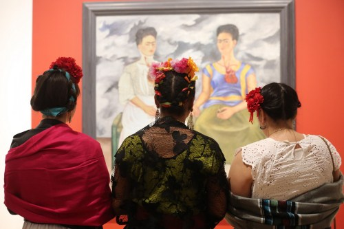 Frida in Gallery 02