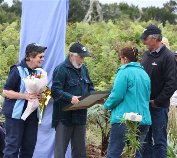 David and Ruth Crockett receiving boquets and certificates from the Tāiko Trust.