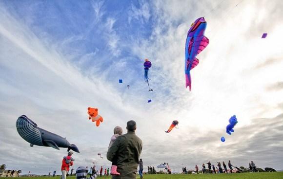 The flying of kites at a Matariki celebration. Photo: Chris Gin | CC BY NC-ND 2.0.
