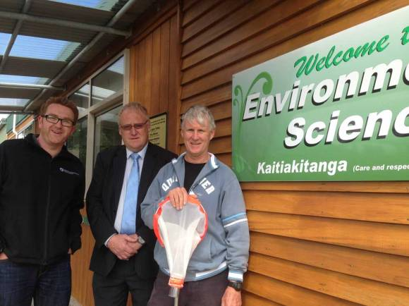 Partnerships Ranger Mike Jones, Principal Doug McLean and Graham Henton at Whakatane Intermediate enviro centre.