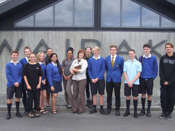 Kindara with students from Tauhara College.
