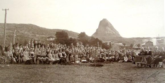 Arbor Day 1936 at Moturoa School.