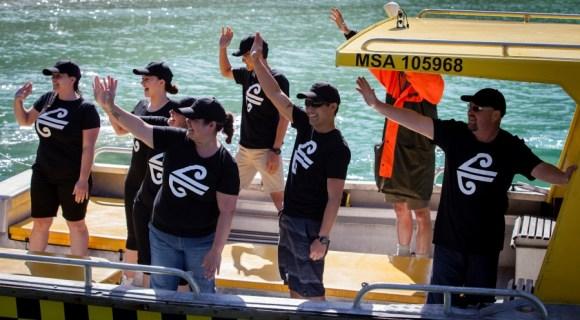 Air New Zealand staff on a boat at Long Island – Kokomohua Marine Reserve. Photo:V. Zintzen, DOC.