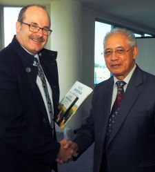With foundation chair of Ngā Whenua Rāhui and Paramount Chief of Ngati Tuwharetoa, Sir Tumu Te Heuheu.