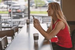 El 74% de los españoles con móvil tiene Internet en su smartphone