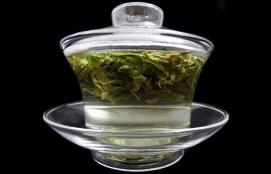 Green Tea in a Glass Gaiwan