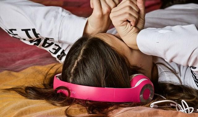 Childhood stress influences teenagers brain development