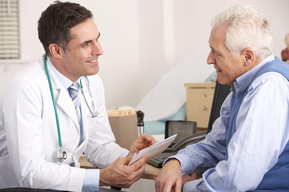 Coloproctologia: afinal, o que faz o médico dessa especialidade?