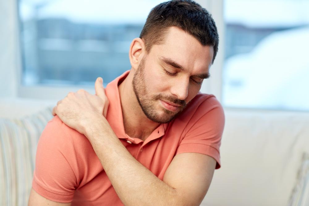 Dor no ombro pode ser tendinite; veja como tratar