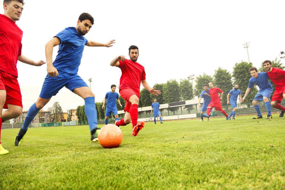 Como jogar futebol faz bem para saúde?