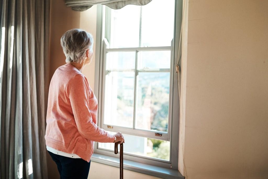 Conheça as causas, sintomas e formas de tratamento da Osteoporose