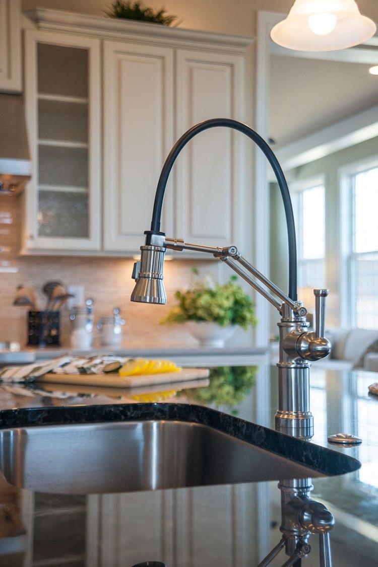 pembrokeavil_kitchenfaucet_2x