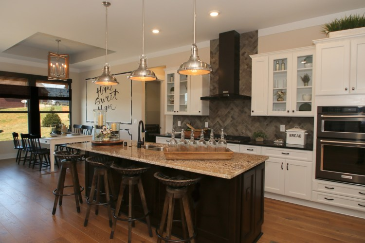 tcwc-0041-00-Lyndhurst-A-kitchen-2_preview_maxWidth_1920_maxHeight_1248_ppi_300_quality_100