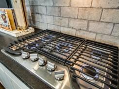 Five burner gas cooktop