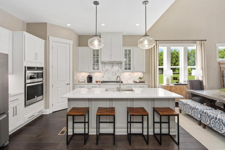 BRDM-0102-00_Everly B_Kitchen 2_preview_maxWidth_1600_maxHeight_1600