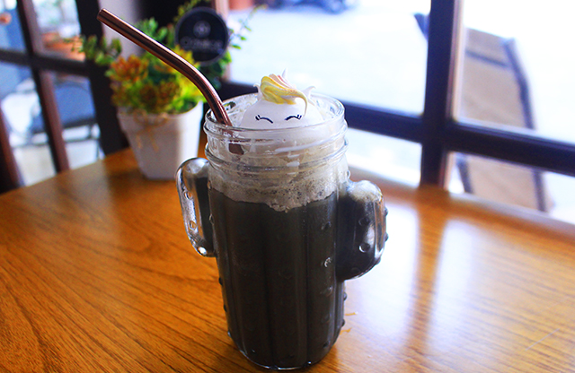 Charcoal frappuccino o'delice via duniamasak