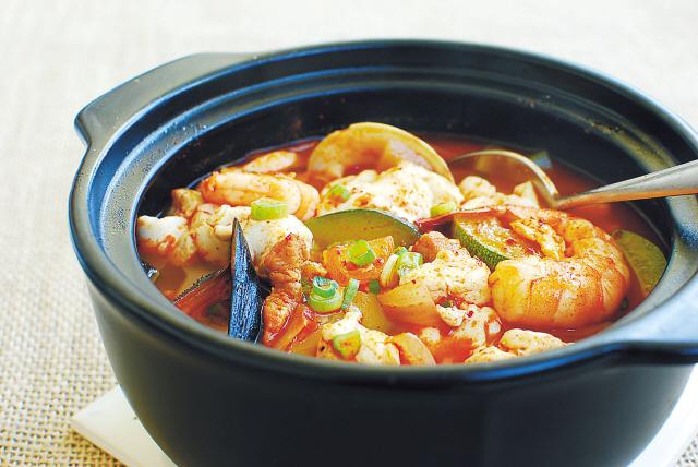 Sundubu Jjigae via koreaherald.com