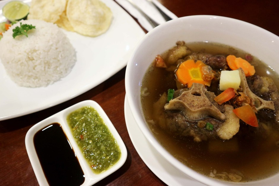 Tradisional Oxtail Soup via dok. Duniamasak.com