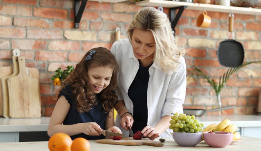 Ajari Anak Memasak via freepik ala tim duniamasak.com