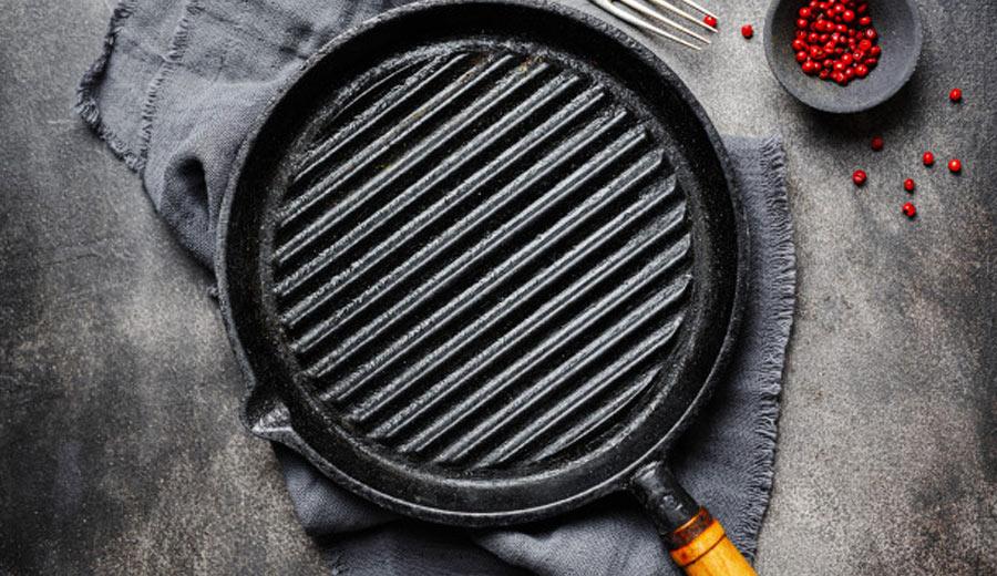 Cara Membersihkan Grill Pan via freepik ala tim duniamasak.com
