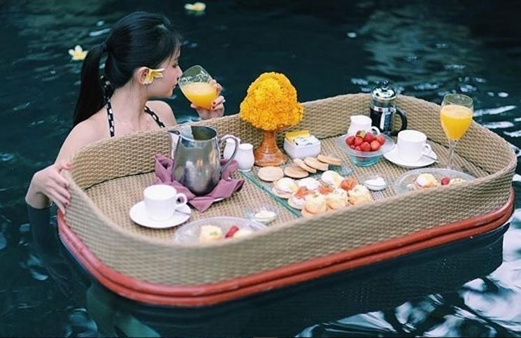 Floating Breakfast via Ayana Bali