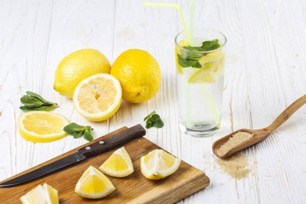 Manfaat Air Lemon untuk Tubuh via freepik ala tim duniamasak