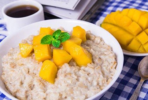 Resep MPASI OatsResep bubur oatmeal mangga via parenting.firstcry.com ala tim duniamasak.com