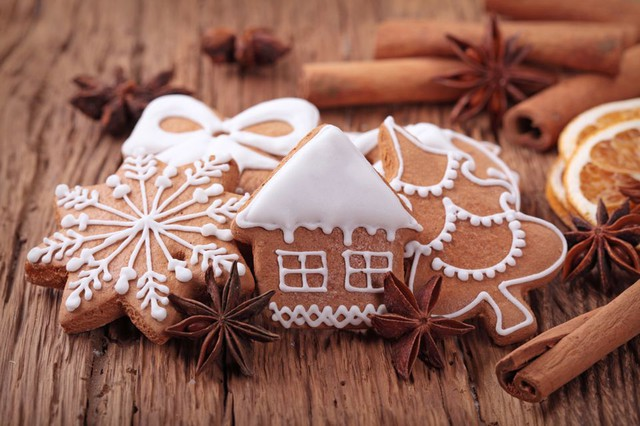 Gingerbread via toriavey.com