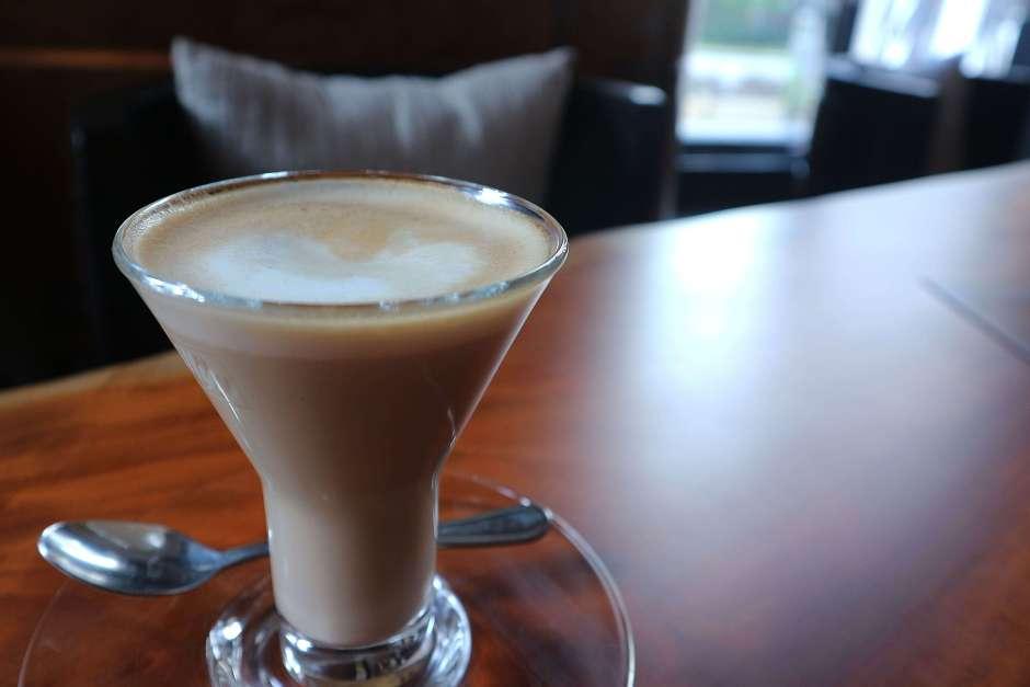 Caffe Latte JimBARan Lounge via dok. Duniamasak.com