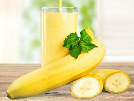 Mengalami Kram Otot? Coba Konsumsi Buah pisang via organicfacts.net