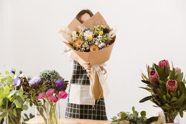 Bisnis hari valentine buket bunga via freepik ala duniamasak