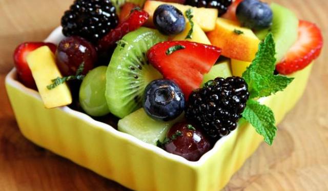 Buah-buahan via obatpengapuranpadasendi.com